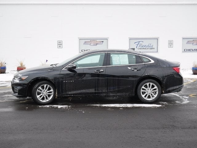 Used 2018 Chevrolet Malibu 1LT with VIN 1G1ZD5ST1JF140677 for sale in Fridley, Minnesota